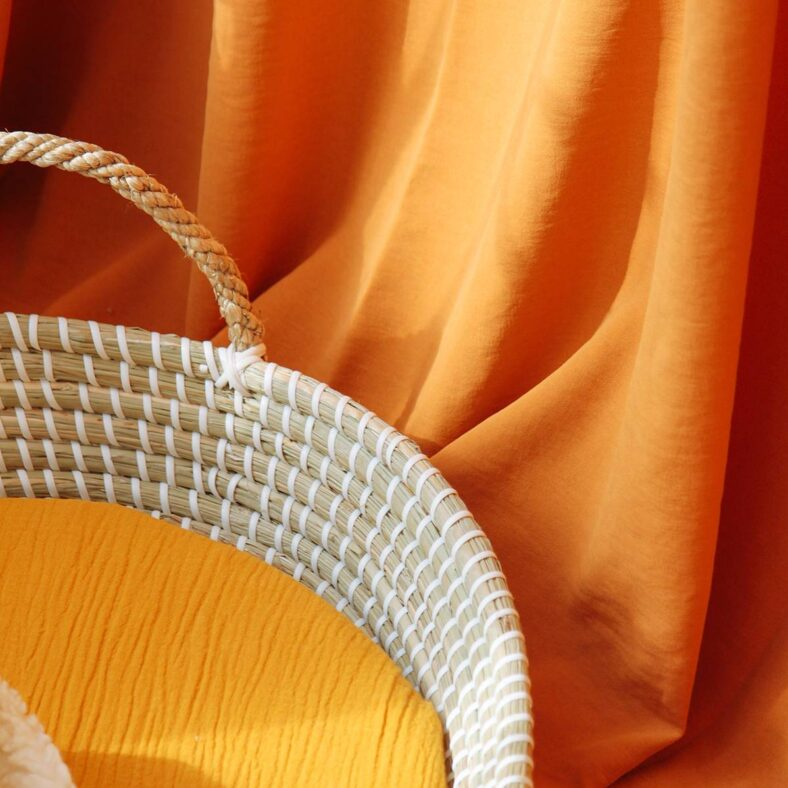 detalle sabana bajera capazo muselina mostaza