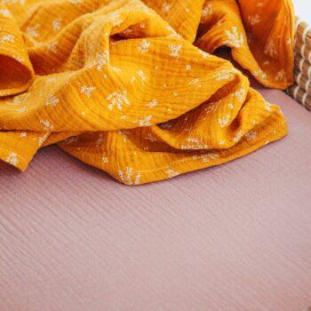muselina rosa orgánico capazo detalle colchon