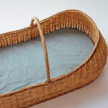 moises con sabana bajera nara azul capazo