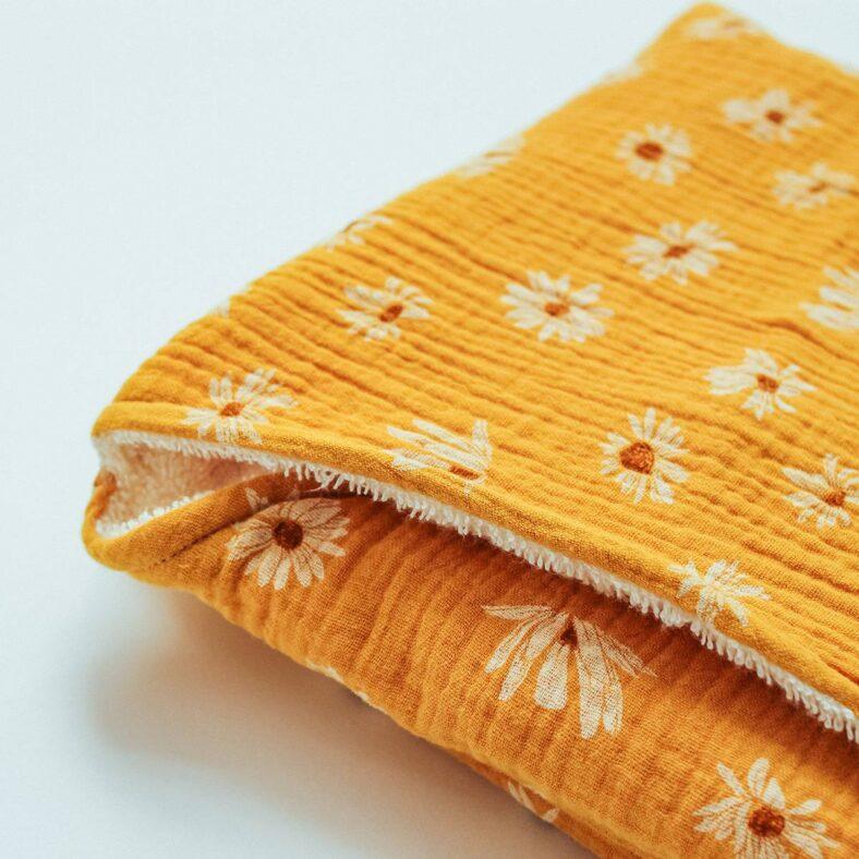 capa bño margaritas tela