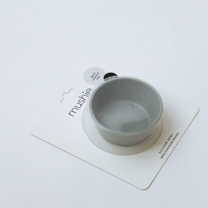 Packaging del cuenco de silicona azul de Mushie