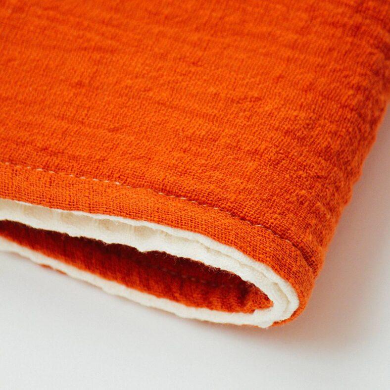 shiraz manta rojo gofre detalle