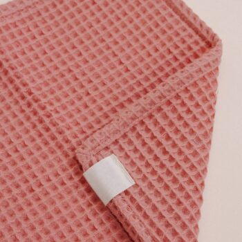 detalle toallita paño lactancia waffle rosa