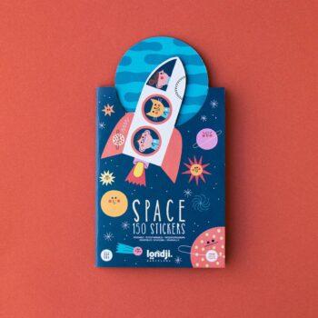 libro de pegatinas del espacio
