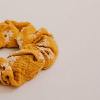 scrunchie mostaza margaritas