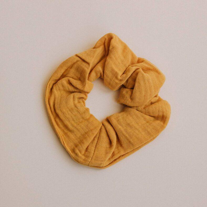scrunchie mostaza