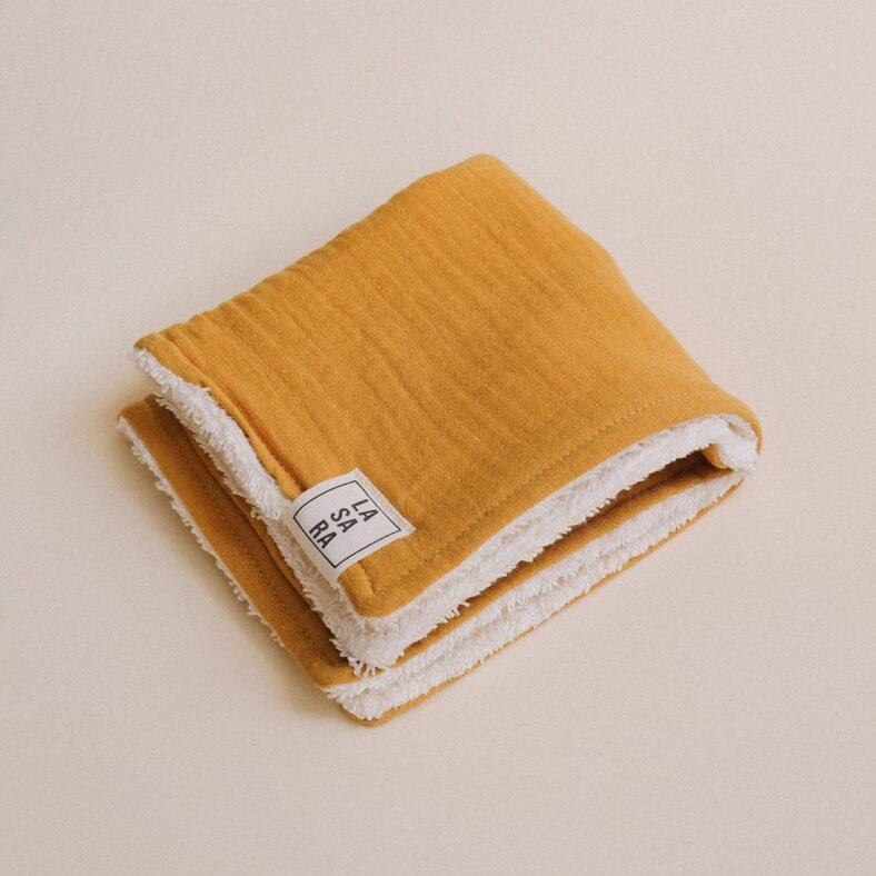 toallita paño lactancia mostaza doblado