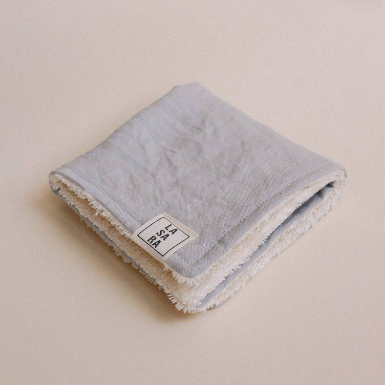paño toallita lino doblado