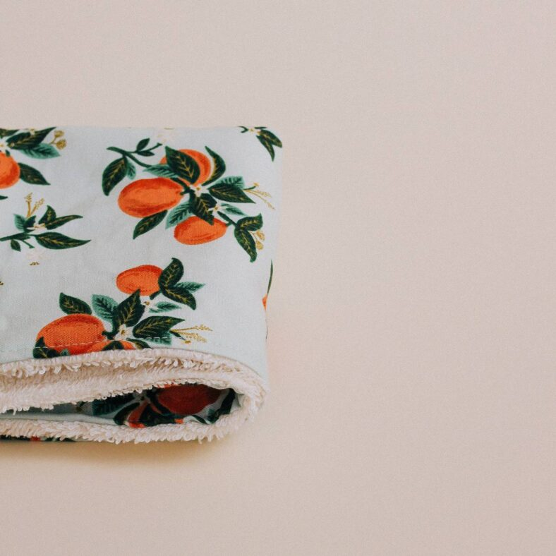 toallita paño lactancia naranjas detalle