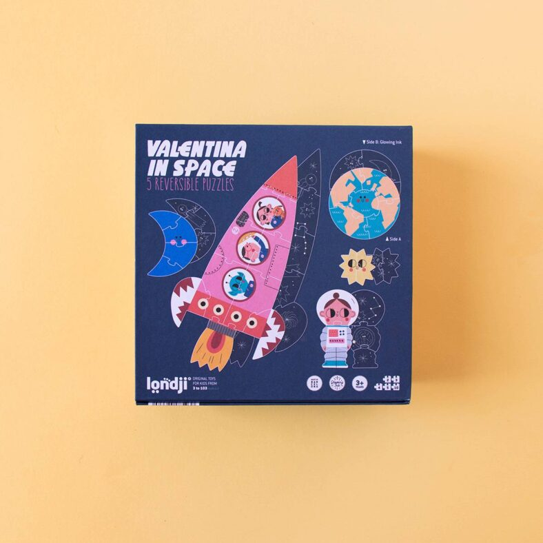 puzle valentina en el espacio caja detrás