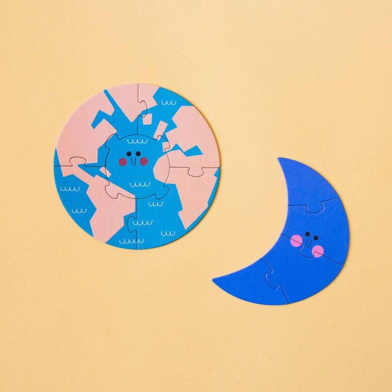 puzle valentina en el espacio puzle luna y tierra